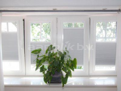 Aanblik Wormerveer - Kunststof kozijnen - horren in kunststof ramen - Keje splendid pliss horren & raamdecoratie
