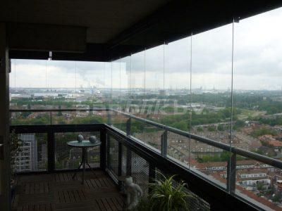 Balkonglas op balkon