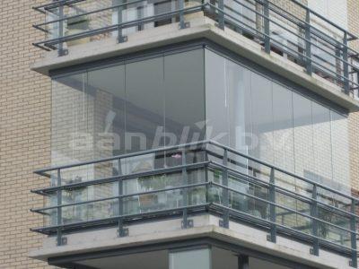 Aanblik Wormerveer - balkonbeglazing