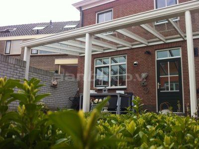 Aanblik Wormerveer Kunststof kozijnen - Veranda met 3 palen